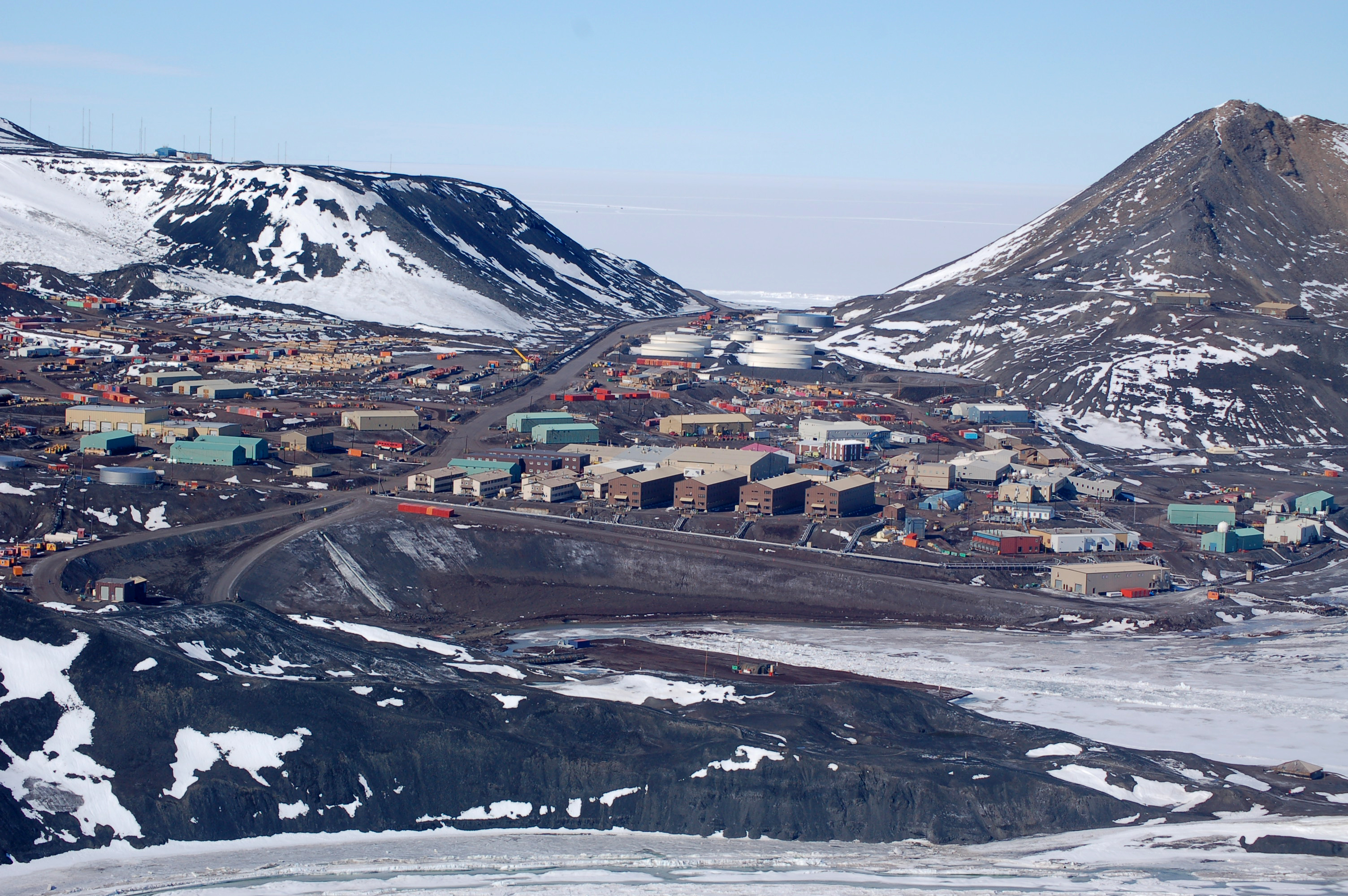 mcmurdo station gay personals Antarctica's best 100% free gay dating site want to meet single gay men in antarctica, enderby land mingle2's gay antarctica personals are the free and easy way to find other antarctica gay singles looking for dates, boyfriends, sex, or friends.